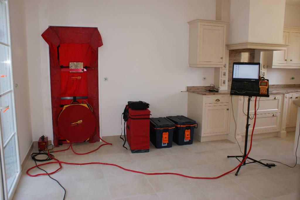 constructeur de maison conomique avec norme rt 2012. Black Bedroom Furniture Sets. Home Design Ideas